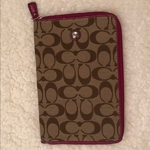 Coach logo patent trimmed tablet/e-reader case